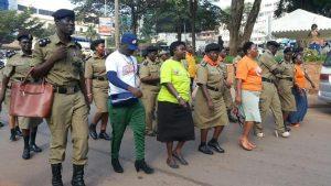 ouganda-policiers-talon